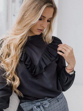Szyfonowa bluzka z falbanką