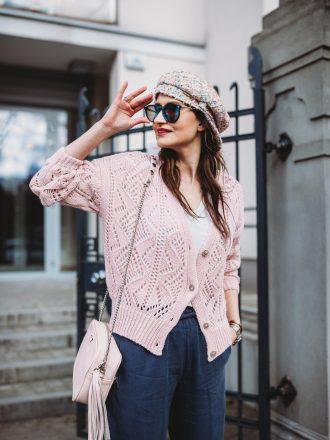 Ażurowy sweterek V * pudrowy róż