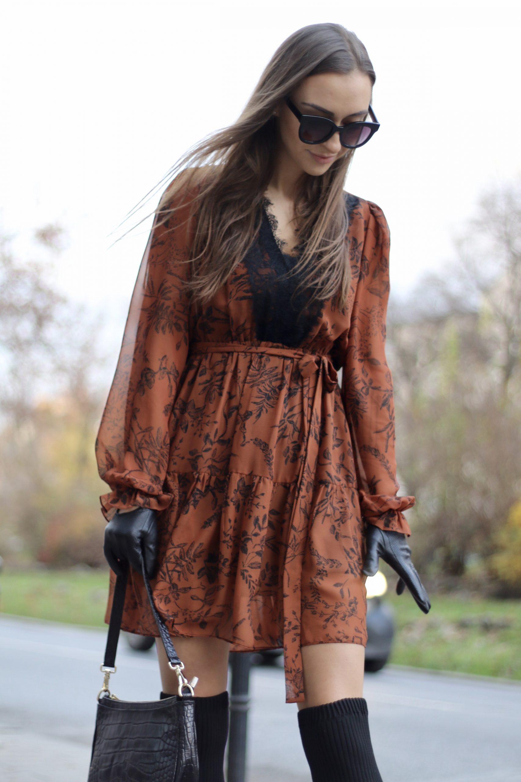 Sukienka BB ruda z czarną koronką
