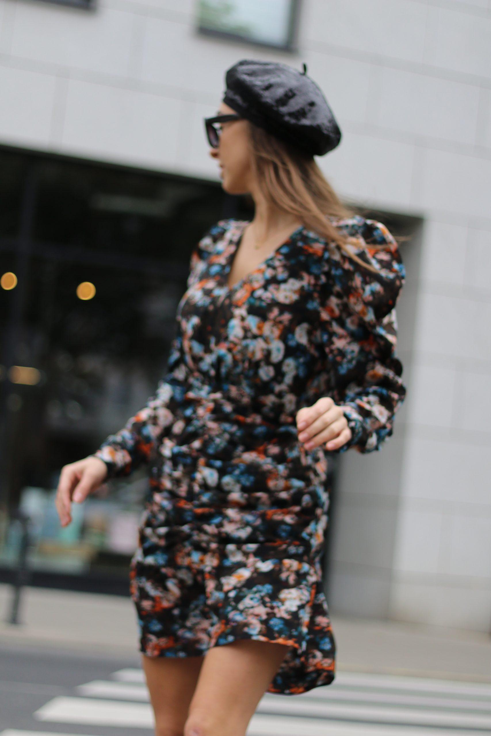 Sukienka BB kwiaty bufki z marszczeniem