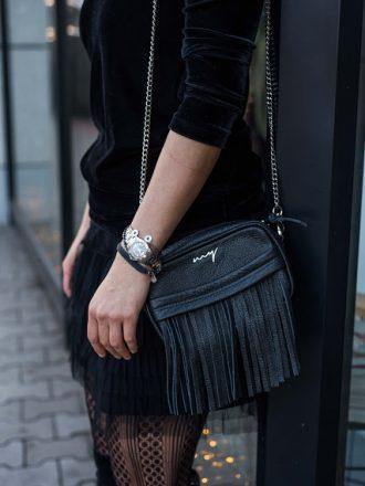 Mała torebka z frędzlami czarna