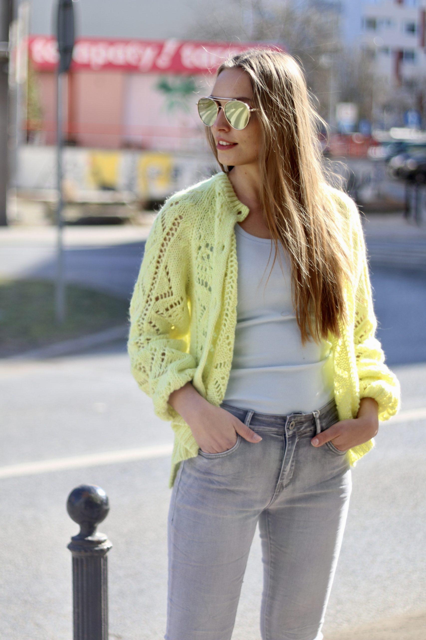 Ażurowy sweterek * cytryna