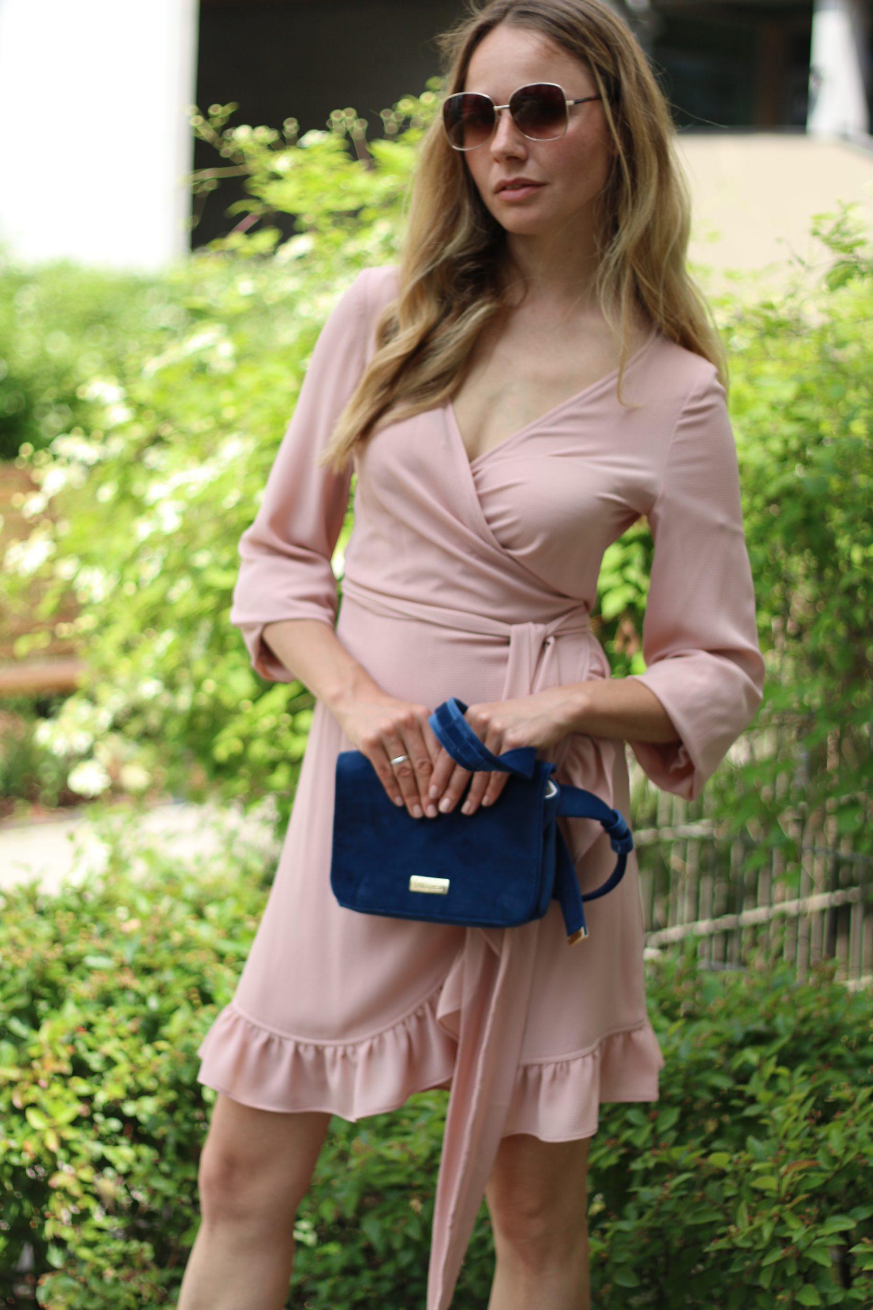 Kopertowa sukienka rękaw dzwonek * dusty pink